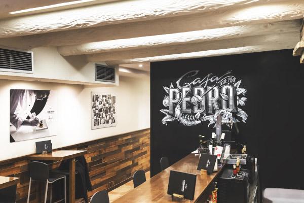 Interior del Gastro Bar Casa Pedro